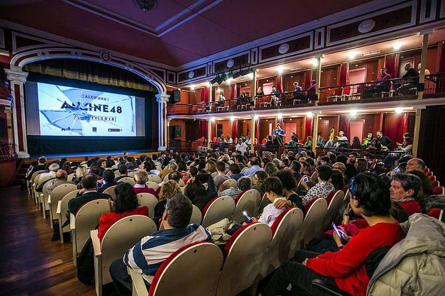 Público Teatro Salón Cervantes_2
